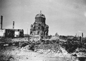 Wat van Narva overbleef na de verwoestende Russische bombardementen.